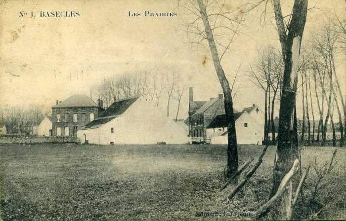Moulin : vue des prés