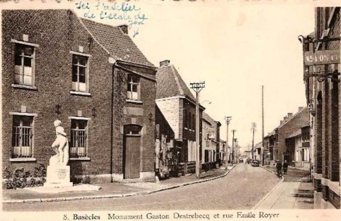 Rue des Préaux